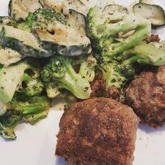 Broccoli, courgette, room en mozzarella met balletjes gehakt 🥗