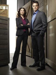 Warehouse 13-Myka and Pete