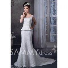 $354.24 Charming Scoop Neck Beading Flower Appliques Court Train Bridal Wedding Dress