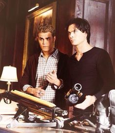 The Vampire Diaries Stefan and Damon Salvatore Serie The Vampire Diaries, Vampire Diaries Funny, Vampire Diaries Damon, Vampire Dairies, Vampire Diaries The Originals, Morgana Le Fay, Damon And Stefan Salvatore, The Salvatore Brothers, Cw Series
