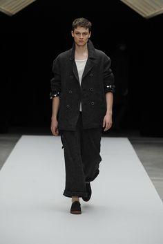 Jun Okamoto • Fall 2013 Ready-to-Wear Collection TOKYO Fashion Week • Style.com