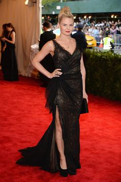 Jennifer Morrison de Donna Karan Atelier - MET Gala 2013 (No está mal,pero no le favorece nada..)