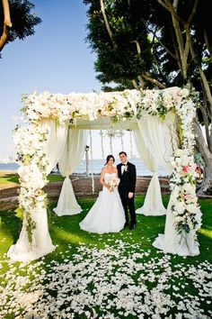 photo: True Photography; Gorgeous wedding ceremony idea