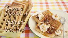 Breakfast: Epicure's Banana Whole-Wheat Walnut Waffles calories/serving) serve with Greek yogurt Epicure Recipes, Homemade Waffles, Sunday Recipes, Pancakes And Waffles, Calories, Yummy Eats, Recipe Of The Day, Breakfast Recipes, Breakfast Time