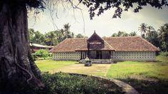 Paliyam Bhagavati Temple, Chendamangalam. Courtesy Ragesh Tr