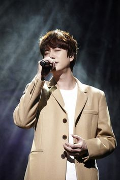 Super Junior's Kyuhyun Ends Solo Promotions for 'Fall, Once Again' | Koogle TV
