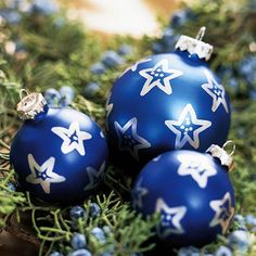 Starry Night Christmas Ornaments using a metallic paint pen!