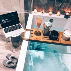 All About Bathtub Design Shower Tub Bon Weekend, Bathtub Decor, Bathtub Ideas, Dream Bath, Relaxing Bath, Luxury Bath, House Goals, C'est Bon, Spa Day