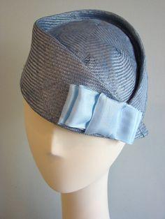 FREE SHIPPING !!! Teal parasisal pillbox hat.