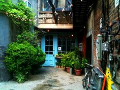 Freemans, retaurant for hipsters (rough and rustic American cuisine and great coctails in an alley off Rivington, next to the bowery, LES) | Freemans NYC