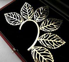 Leaf Ear Cuff Wrap Earring Gold Designer Style Body Armor Statement Leaves