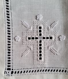 Hardanger Embroidery, Hand Embroidery, Swedish Weaving, Fibre And Fabric, Altar Cloth, Brazilian Embroidery, Hand Embroidery Patterns, Eucharist, Towels