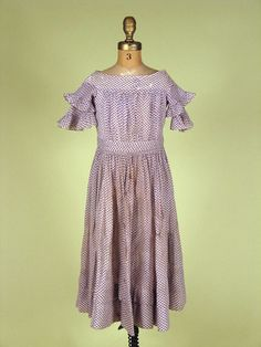 Girl's Purple & White Dress, Mid 19th C. - Lot 246