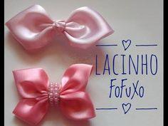 Lacinho FoFuXo by: Manu Artes - YouTube Ribbon Hair Bows, Diy Hair Bows, Diy Bow, Diy Ribbon, Ribbon Crafts, Diy Hair Accessories, Sewing Accessories, Bow Making Tutorials, Baby Hair Bands