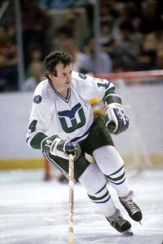Hartford Whalers, Good Old Times, Nhl Players, Hockey Cards, Sports Pictures, Ice Hockey, Superstar, Nfl, Toronto