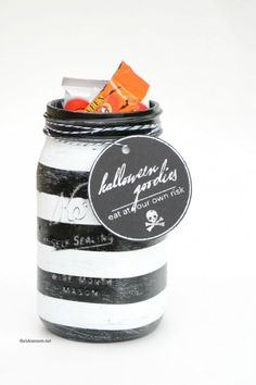 Black & White Halloween Mason Jars - Mason Jar Crafts Love