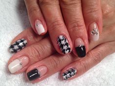 Hand painted Houndstooth pattern nail art!!
