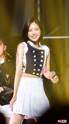 180929 Asia Tour in Taipei Kpop Girl Groups, Kpop Girls, Korean Girl, Asian Girl, Apink Naeun, Son Na Eun, Pink Panda, Stage Outfits, Korean Celebrities