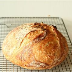 Homemade no knead bread recipe Knead Bread Recipe, No Knead Bread, Pan Bread, Bread Recipes, Cooking Recipes, Cooking Bread, Harira, Rustic Bread, Portuguese Recipes