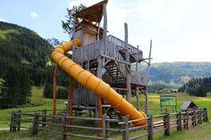 """Erlebnisweg """"Alles Alm"""" & Johanneswasserfall in Obertauern in Österreich. Wunderschöner Familienausflug zum Wasserfall. Travel With Kids, Dubai, Hiking, Trips, Park, Travel, Water Playground, Hotels For Kids, Amusement Parks"""