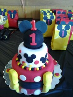 Mickey Mouse Party, Mickey Mouse cake, DIY Mickey party  bags.