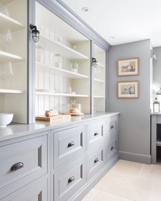 All the English Countryside Kitchen feels here! Traditional cabinetry and open shelving with beadboard gives this gray kitchen so much charm. Design by: Humphrey Munson Kitchens Küchen Design, Home Design, Interior Design, Design Ideas, Interior Modern, Clever Design, Cafe Interior, Design Color, Interior Paint