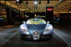 #Bugatti Veyron  #  Like, RePin, Share - Thnx :)