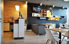 Interior pizzeria flavours, MDF frezat. Pizzeria Design, Interior Design, Table, Furniture, Home Decor, Interiors, Nest Design, Decoration Home, Home Interior Design