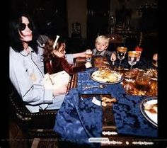 michael jackson at home with his kids