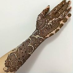 No photo description available. Latest Bridal Mehndi Designs, Mehndi Designs Book, Arabic Henna Designs, Indian Mehndi Designs, Stylish Mehndi Designs, Mehndi Design Photos, Wedding Mehndi Designs, Beautiful Mehndi Design, Mehndi Designs For Hands