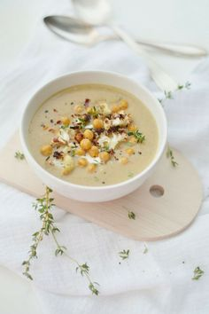 fork and flower: hearty roasted cauliflower & chickpea soup (to make vegan: sub so coconut creamer for heavy cream)