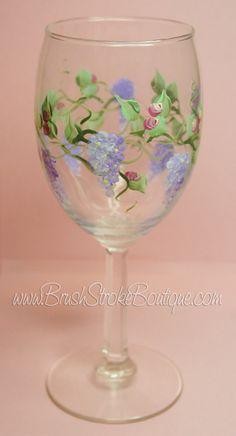 Pintado a mano Copa de vino - glicinia - personalizada y copas de vino personalizadas para bodas, fiesta, cumpleaños, ocasiones especiales