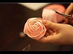 Как сделать цветы из атласной ленты. Мастер-класс.
