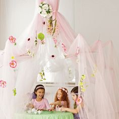 Throw a Fairy Wonderful Party.this will give me some great ideas since Bella wants a Fairy Birthday Party this year:) Princess Tea Party, Princess Birthday, Girl Birthday, Princess Belle, Fairy Birthday Party, Birthday Parties, Birthday Ideas, Parties Kids, Themed Parties
