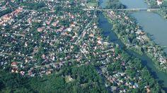 Csatornatísztítás Szigethalmon https://www.magyarendre.hu/csatornatisztitas-szigethalmon/ Fővárosunktól, alig 12 km-re található Szigethalom. A település, közel 17 ezer lakosával a Dél-Budapesti agglomeráció meghatározó városa. Csatornatisztítási problémák szempontjából meghatározza a Duna. ellemzően szakembereink a vízelöntés, illetve a gyökérbenövés problémájával szembesülnek munkájuk során. #duguláselhárítás #duguláselhárítás_szigethalom #csatornatisztítás #csatornatisztítás_szigethalom