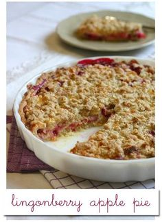 lingonberry apple pie - need to find some lingonberries Lingonberry Recipes, Apple Recipes, Baking Recipes, Baking Ideas, Yummy Treats, Delicious Desserts, Yummy Food, Pie Dessert