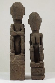 ancestral figure couple without face - West Timor - Indonesia