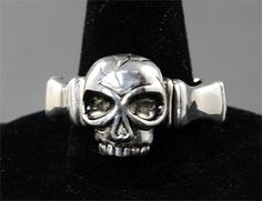 Skull Wedding Band... LOVE THE MEN'S ONE TOO!