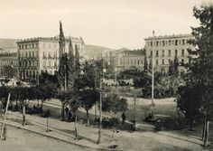 Omonoia in 1905 Greece Pictures, Old Pictures, Old Photos, Vintage Photos, Athens Hotel, Athens Greece, Old Greek, Greek Culture, Urban Life