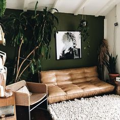 Uo home, living room plants, cozy living rooms, living room decor, bedroom Living Room Green, Bedroom Green, Green Rooms, Cozy Living Rooms, Home Living Room, Living Room Decor, Bedroom Decor, Decor Room, Living Area