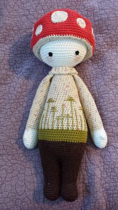 PAUL the toadstool made by Chelsea C. / crochet pattern by lalylala