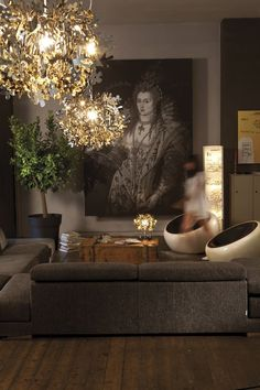 love the moodiness and soft repose (lighting) in this space!