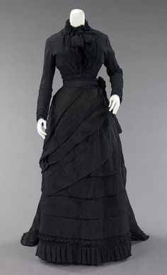 mourning dress ca. 1870 via The Costume Institute of The Metropolitan Museum of Art