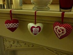 Bobbin lace fabric hearts
