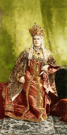 1903 costume ball in the Winter Palace, St. Petersburg, Russia. Grand Duchess Maria Pavlovna (senior) in a boyarynya fancy dress on the fashion of the 17th century. Boyarynya is a noble woman in ancient Russia, a boyar's wife. #Russian #history #Romanov
