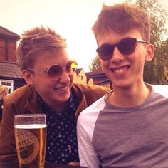 2014 - George Ezra with his brother Ethan. George Ezra, I Just Love You, Amazing Adventures, Pretty People, My Boys, The Man, Girlfriends, Musicians, Cinnamon