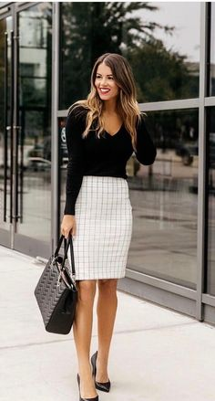 Work outfits for fall, spring or even summer fashion! These fashion ideas are going to be the #workoutfits of the year! From black and white outfits to the latest Office & Work Outfits Ideas for Women and Men! #women fashion # #bestandstylishbusinesscasual #workoutfitforwomen #women fashion
