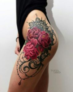 Roses and lace hip tatt