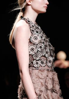 Valentino Fall 2011 RTW - Details - Fashion Week - Runway, Fashion Shows and Collections - Vogue