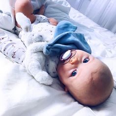 "3,282 Likes, 33 Comments - AMANDA MORITZ (@amoritz) on Instagram: ""Can't say no to those eyes! ❤️ #tiredbaby #cuteness"""